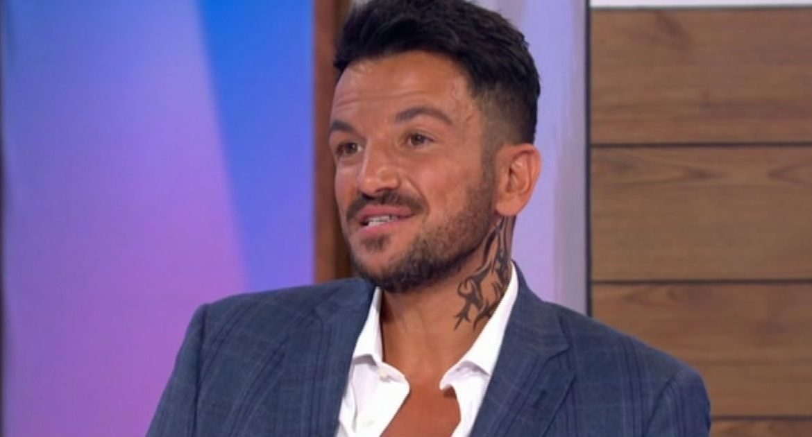 Fans of baggy women are distracted after discovering a large new tattoo on Peter Andre's neck