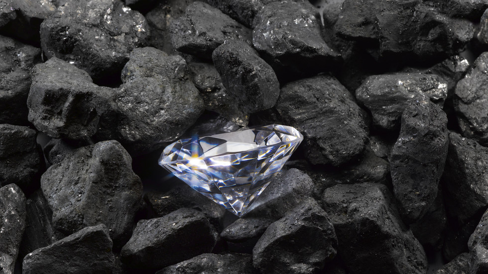 """Diamond worlds """"unlike anything in our solar system"""" are entirely possible. We haven't found them yet - RT World News"""