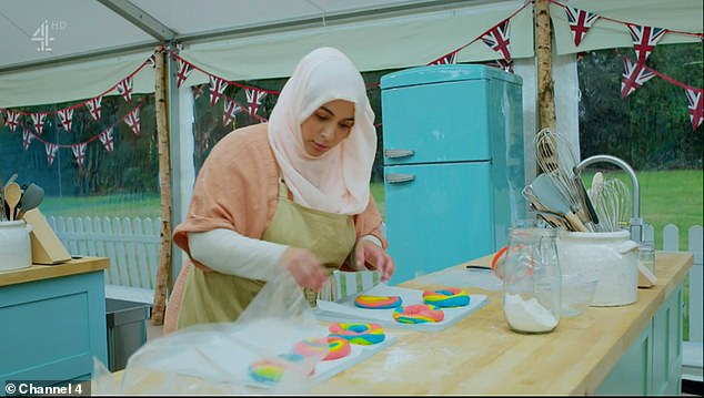 Technical challenge: The surah created the glazed rainbow scrolls