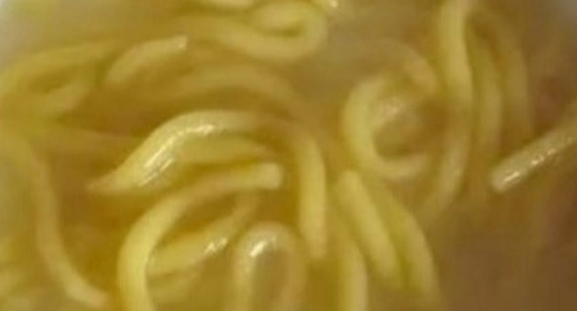 Family of nine dies after eating noodles