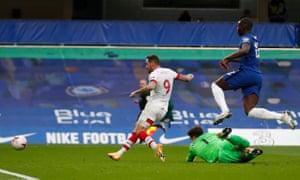 Achievement turns around the goalkeeper before scoring