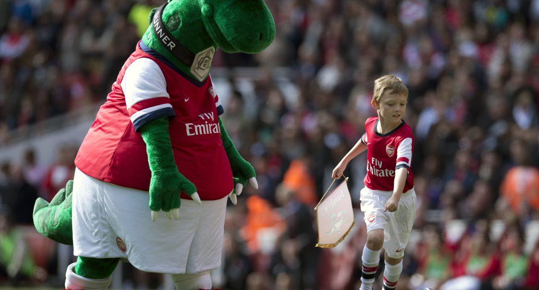 "Mesut Ozil saves Arsenal's mascot ""Gunnersaurus"" from extinction | United kingdom"