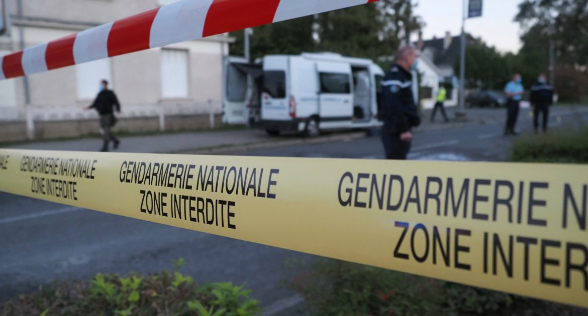 Tourist plane and lightweight plane collide in France |  France