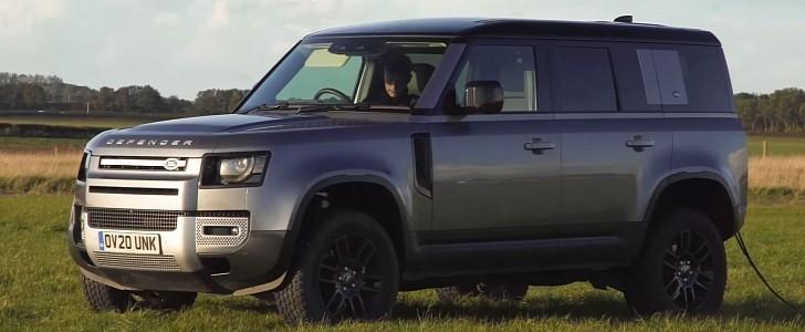 2021 Land Rover Defender eliminates old guns in a tug-of-war