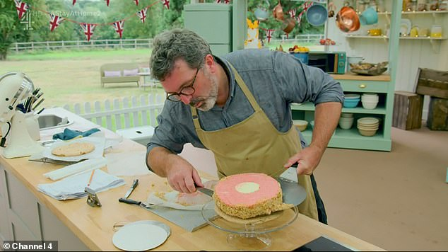 Yikes!  Mark Jelly picked apples with chocolate and strawberry mousse and ended up curdled, while the base was overrated, `` like concrete, '' according to Paul
