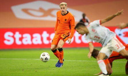 Donnie Van de Beek equaled the score for the Netherlands against Spain