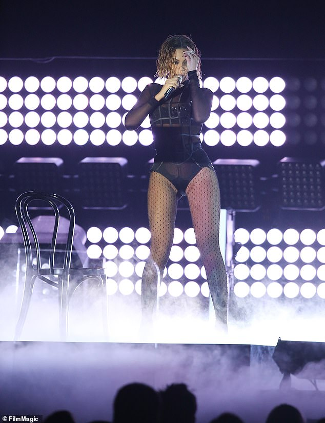 Familiar Look: From hairstyle to looks, JLo performed stunningly similar to Beyoncé's Grammy Show in 2014
