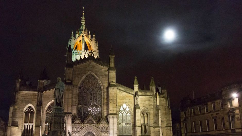 "A ""beaver moon"" lights up the skies over Scotland next week - the best time to see it"