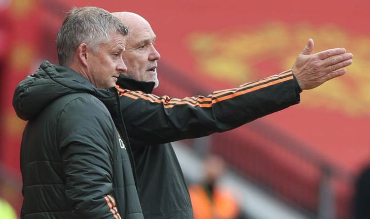 Man United's duo Ole Gunnar Solskjaer and Mike Phelan's disturbing behavior suggests their end is near | Football sport