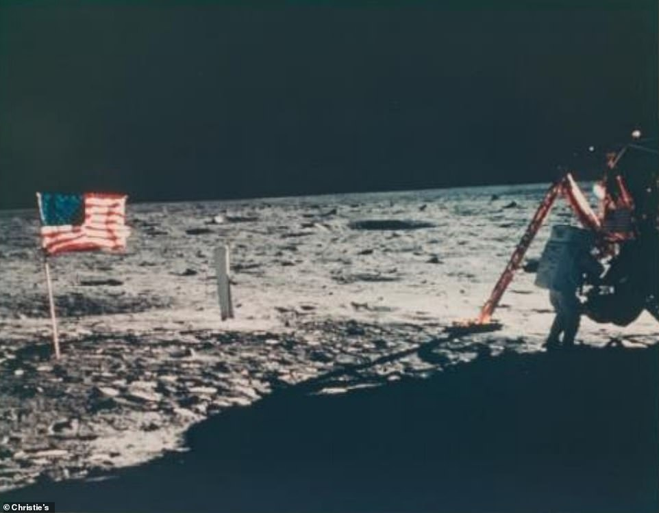 The rare photos are part of 2,400 vintage Voyage To Other World photo collections that will be exhibited at an online auction hosted by Christie until November 19, 2020. The only photo of Neil Armstrong on the Moon, July 16-24, 1969
