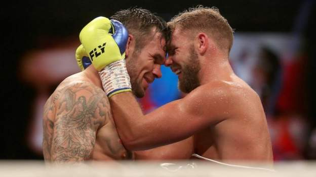 Billie Joe Saunders beats Martin Murray to retain the WBO middleweight title