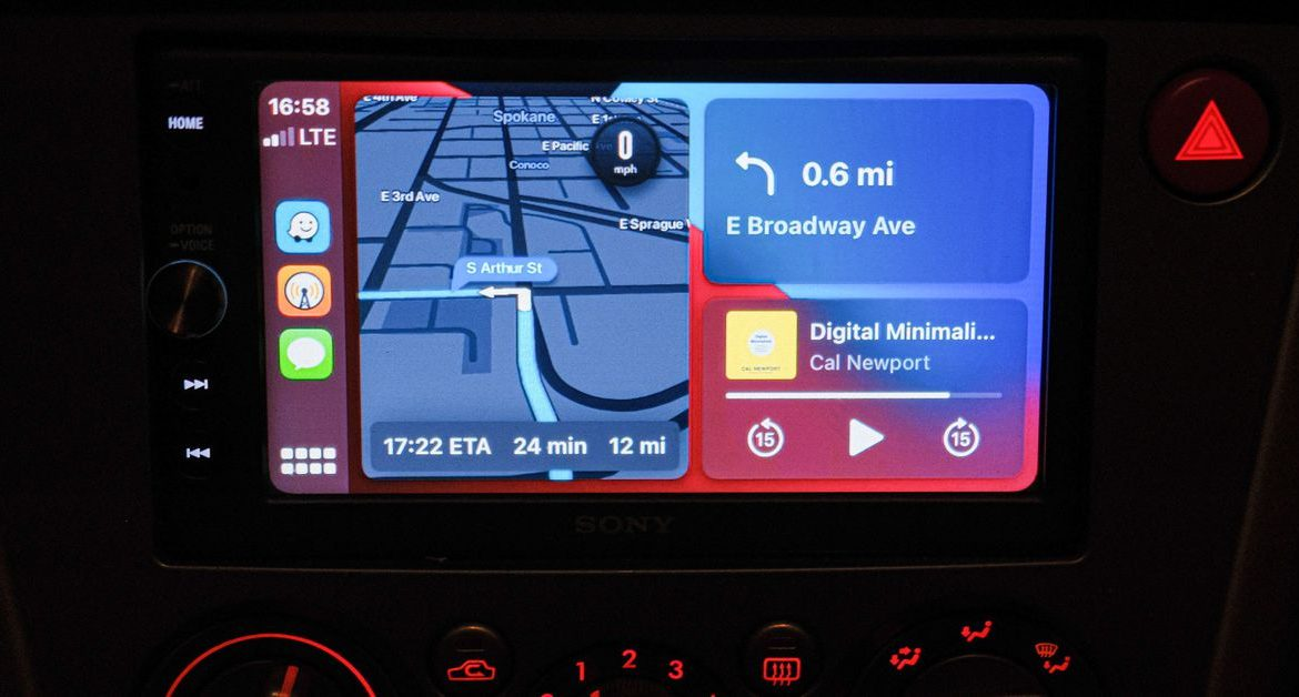 You can now use Waze on the CarPlay home screen instead of flipping between apps while you're driving