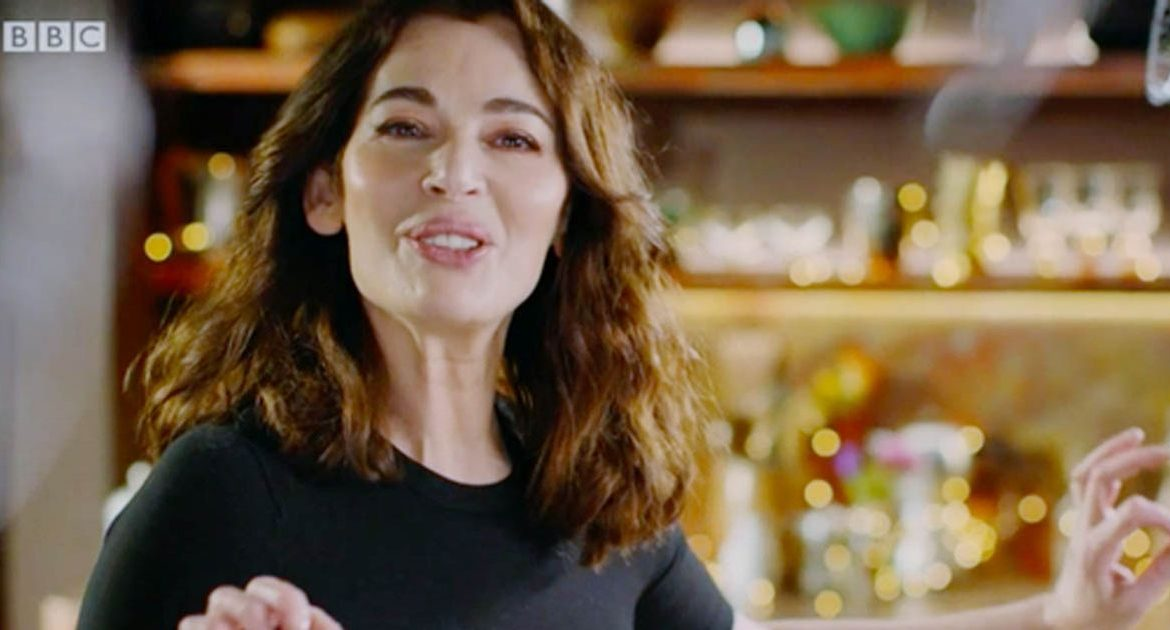 """Nigella Lawson baffles viewers with the unique way she says """"the microwave"""""""