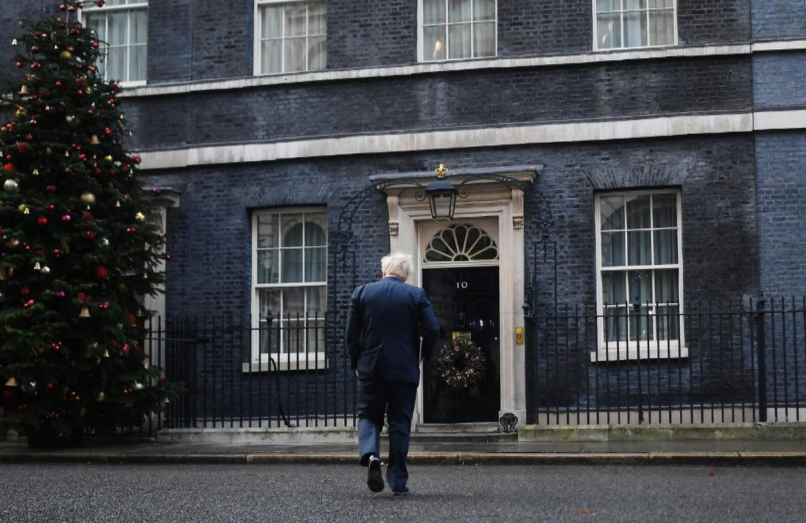 The Prime Minister wants to allow families to meet over the festive period