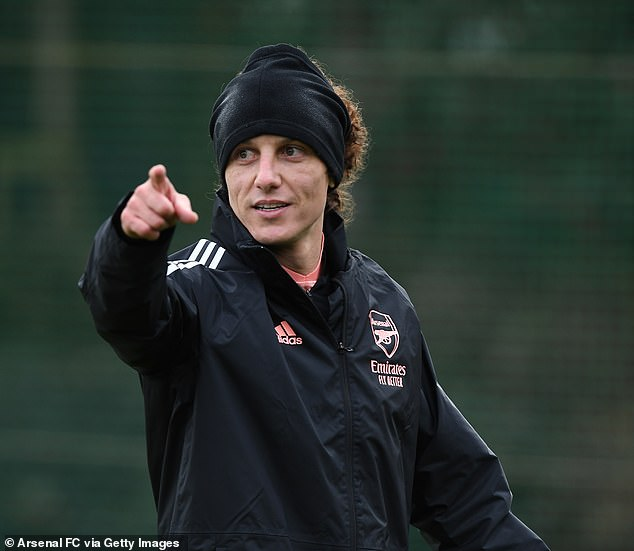 David Luiz has denied suggestions that there is a rift with Arsenal coach Mikel Arteta