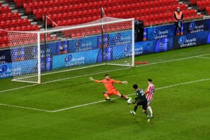 Alli's shot was saved by Lonergan.
