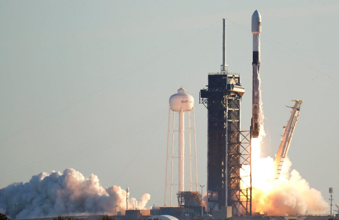 With Starlinki, SpaceX broke an important record.  The same version of the Falcon 9 rocket for the eighth time in space