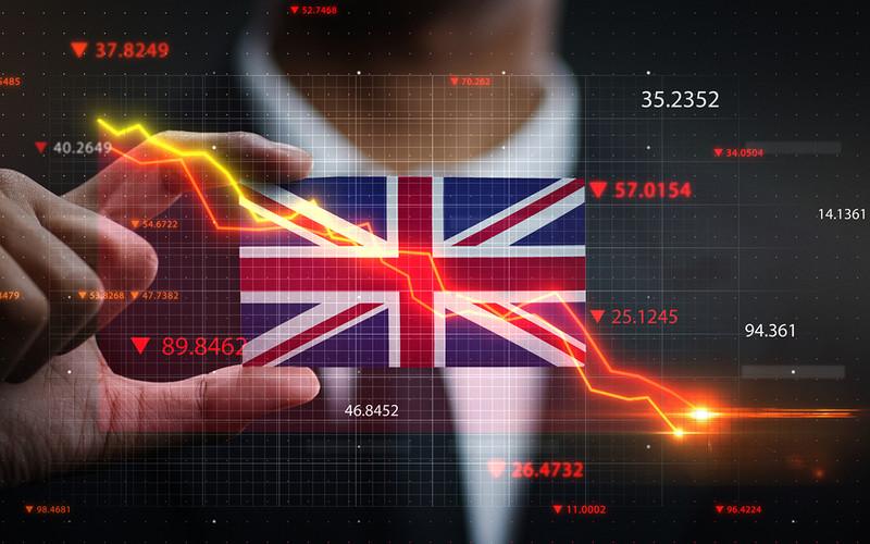 """Eksperci: Brytyjska gospodarka """"wyzdrowieje"""" dopiero za 4 lata"""