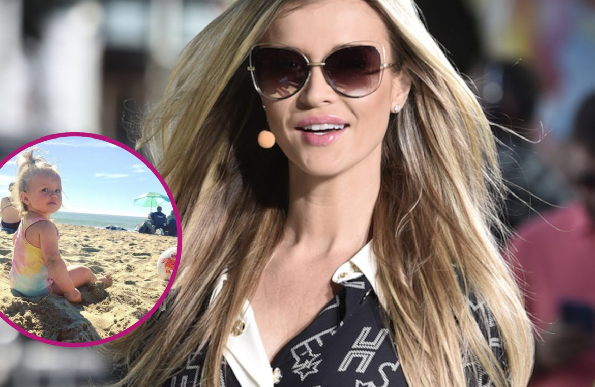 Joanna Krupa's daughter gets crazy on the beach!  But she gets bigger!  Cossacks