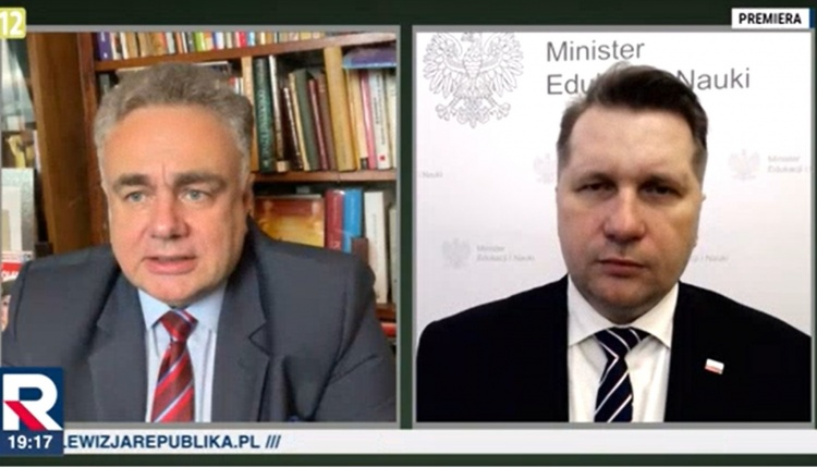 """The resort will """"review"""" textbooks """"old programs"""".  a.  Czarnek announces major reforms"""
