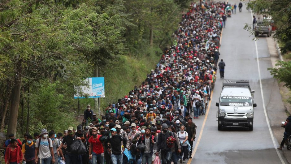 Thousands of immigrants from Honduras march towards the United States.  Flee poverty and crime |  News from the world