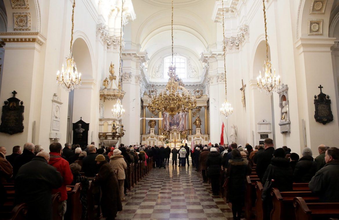 Pope Francis adds the feasts of Martha, Mary, and Lazarus to the church's calendar