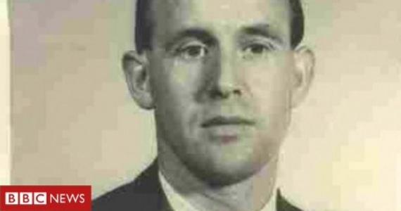 Były strażnik niemieckiego nazistowskiego obozu koncentracyjnego, który przez ponad 60 lat mieszkał w USA, po nakazie deportacji z kraju wrócił do Niemiec - poinformował rzecznik niemieckiej policji.