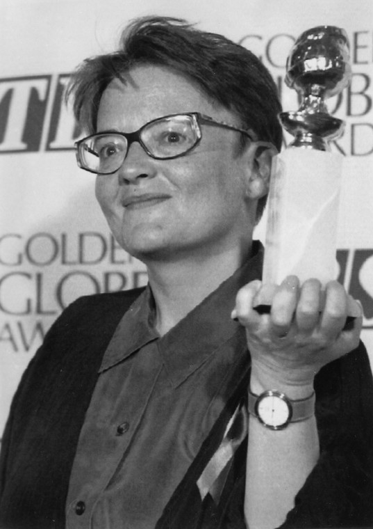 Agnizka Holland with the Golden Globe in 1992