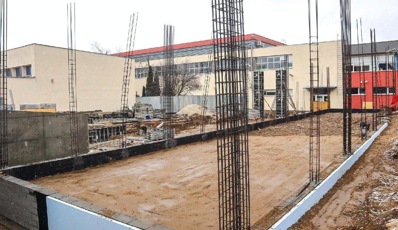 nowy lacznik szkoly na krzesinach fot. pim4 300x169 - Poznań: Nowy budynek szkoły na Krzesinach już ma fundamenty