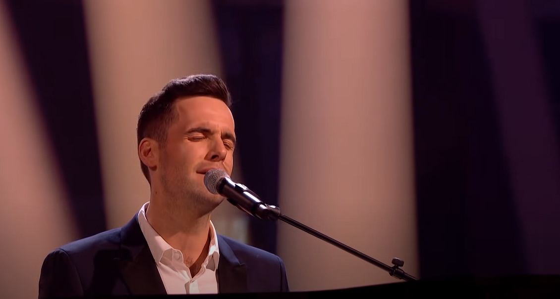 The Voice contestant performed Bryan Adams (All I Do) I Do For You.  Watch the video