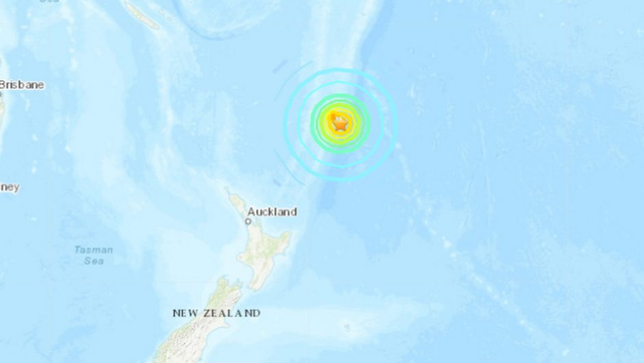 New Zealand: 8-magnitude earthquake. Tsunami warning