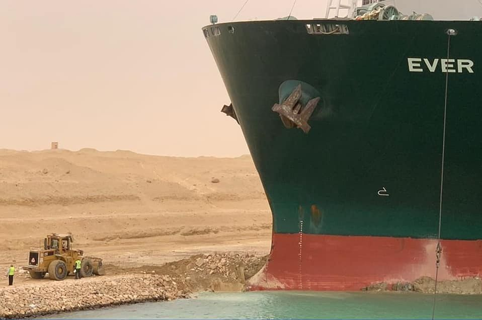 Suez Canal Dam.  Polish companies are waiting for delivery
