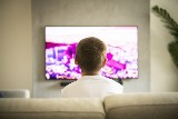 How to choose the best TV for the living room?  How big do you need to be to be able to view it well?