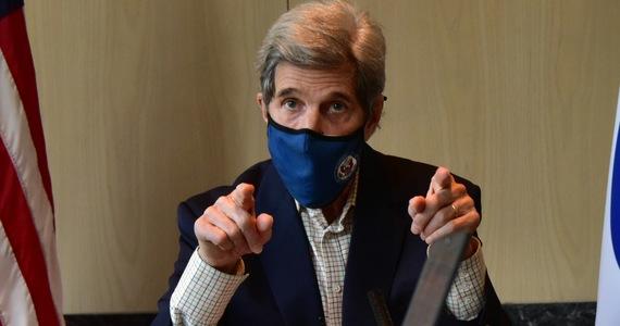 Chiny i USA zgadzają się, że potrzebne są energiczniejsze działania w walce ze zmianami klimatu i zapowiadają współpracę w tej dziedzinie - głosi opublikowany w niedzielę wspólny komunikat po rozmowach w Szanghaju specjalnego wysłannika USA Johna Kerry