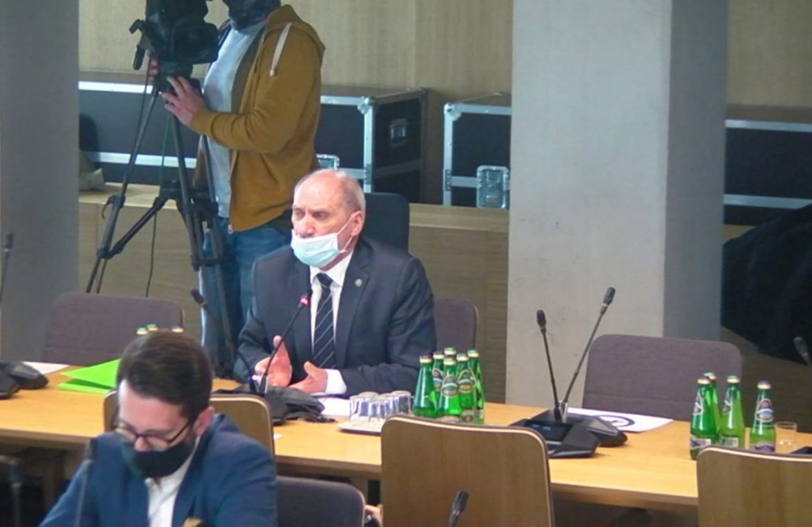 Antoni Macierewicz on the Subcommittee's report: Cannot set date of publication |  Policy