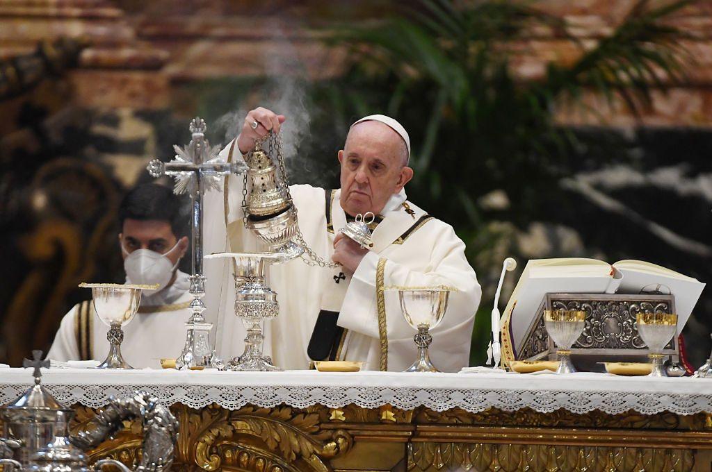 Holy Thursday.  Media: Pope Francis celebrated mass at the home of the punished Cardinal Becciu