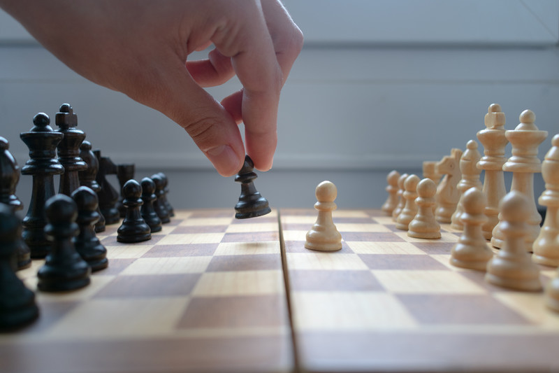 """The """"Queen's Maneuver"""" game made chess popular again"""
