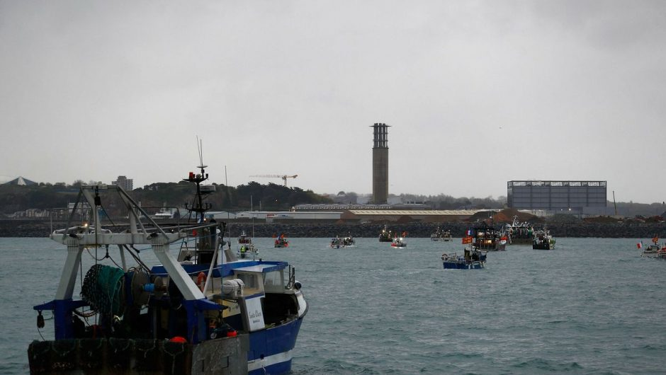 British armed boats headed for Jersey