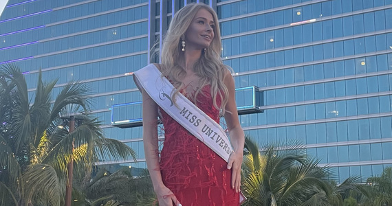 The final of Miss Universe on Sunday!  Natalia Bigua tends to the top twenty