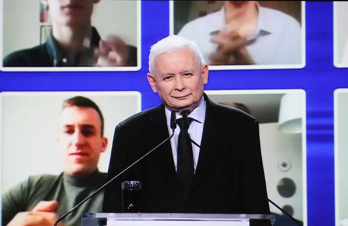 """PiS: """"Thanks to the Polish deal, we will live like the rest of Europe.""""  How far should we catch up?"""