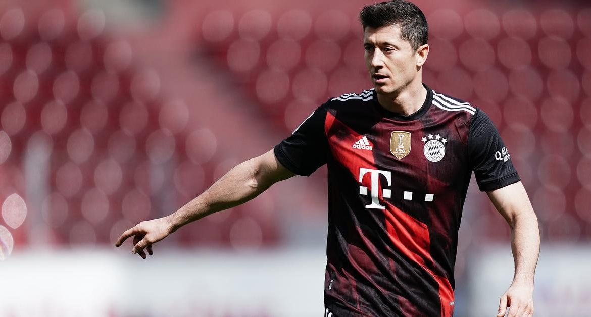 In the US about Lewandowski's record with respect but discipline