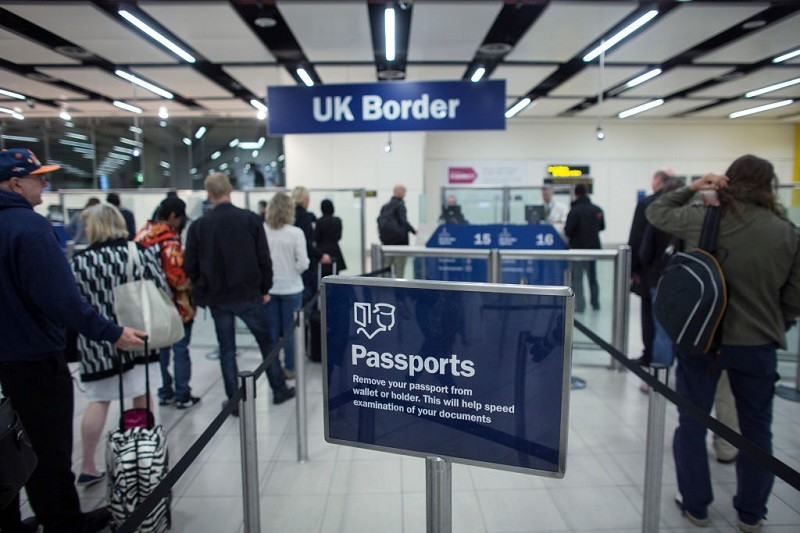 """Granica UK będzie """"w pełni cyfrowa"""", by kontrolować poziomy migracji"""