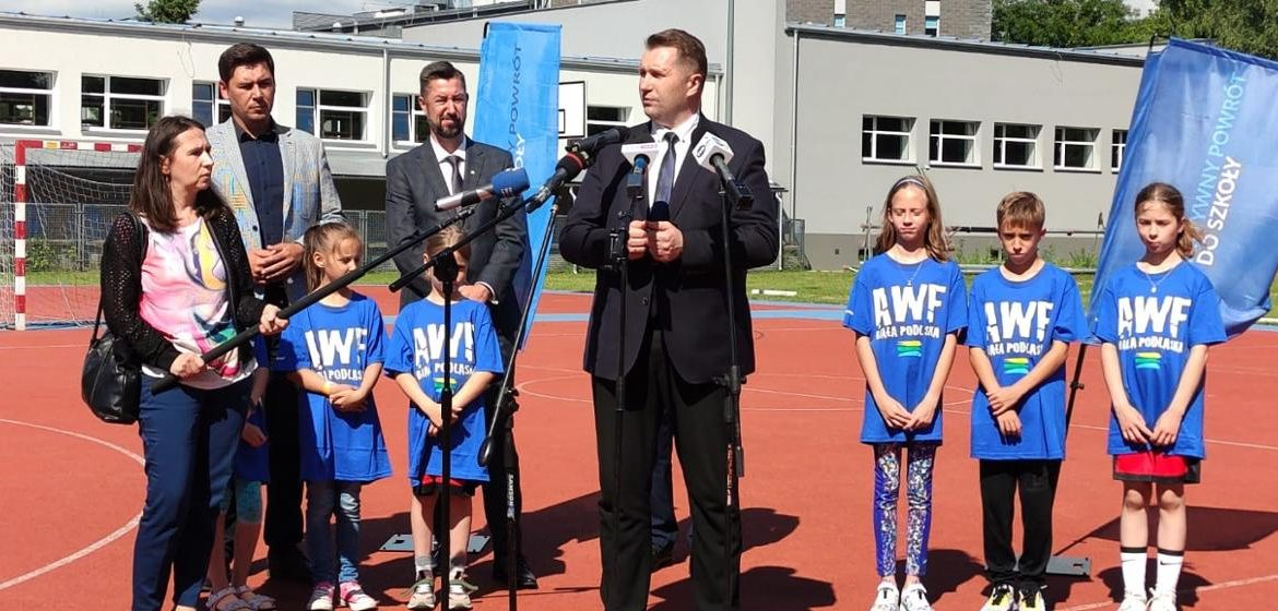 """Opening of experimental classes for children under """"WF z AWF"""" with the participation of the Minister of Education and Science - Ministry of Education and Science"""