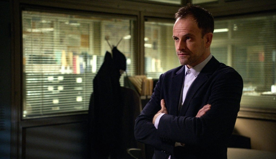The Crown - Johnny Lee Miller in the cast of Season 5.  Who will play?