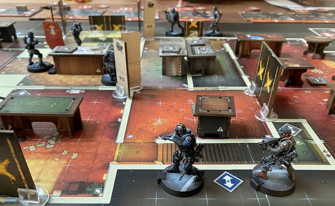 6: Siege - The Board Game is funded by Kickstarter
