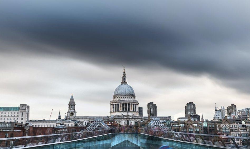 Rekordowa liczba osób wysyłanych na kwarantannę problemem dla firm w Wielkiej Brytanii