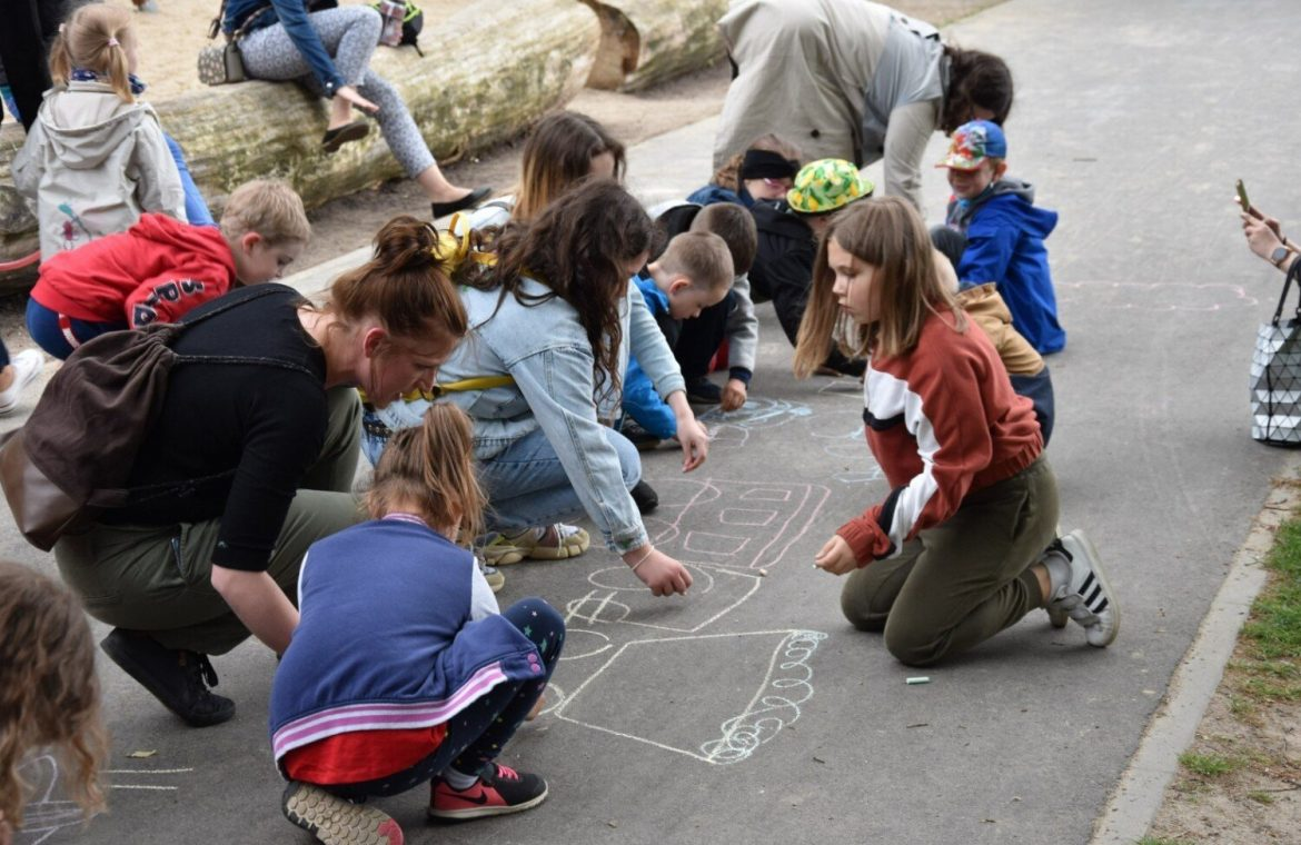 """Children's Day in the Garden of Three Cultures.  The Foundation """"Przestrzeń"""" supported the fundraising campaign for Olga Miśkiewicz"""