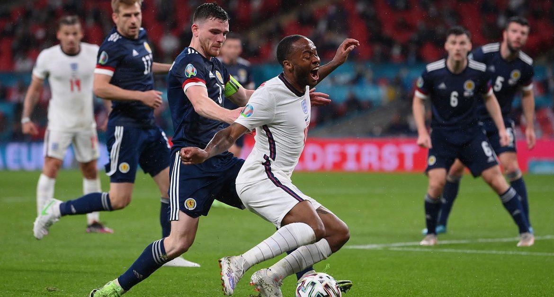 England - Scotland.  Should the English get a penalty?  controversy.  Euro 2020