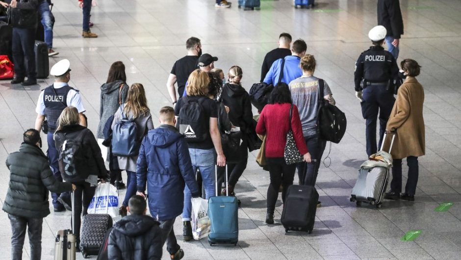 Great Britain on the list of banned destinations until January