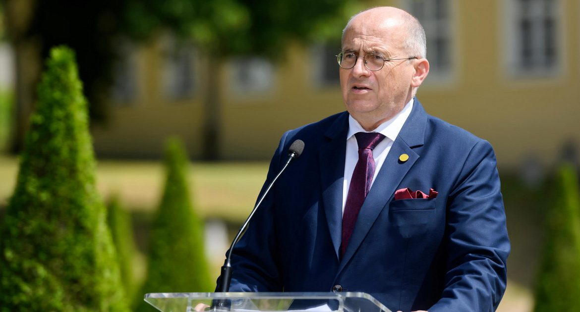 Head of the Ministry of Foreign Affairs: I am concerned about the presence of Russian forces on the borders of Ukraine
